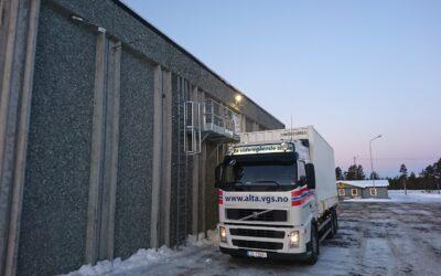 Alta Vidergående skole- Fallsikring for å måke snø