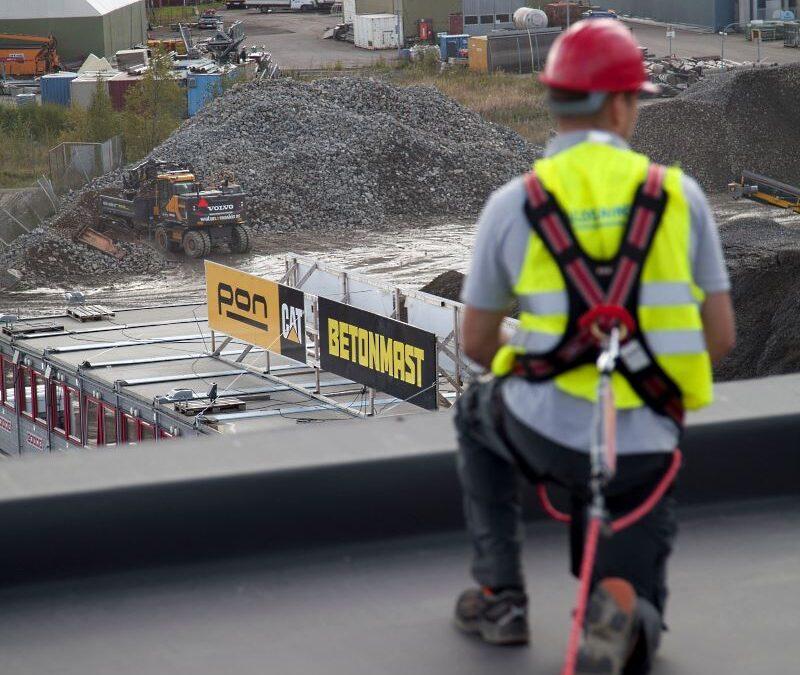 Fallsikring på Betonmast Poncat – hovedkontor PVC tak
